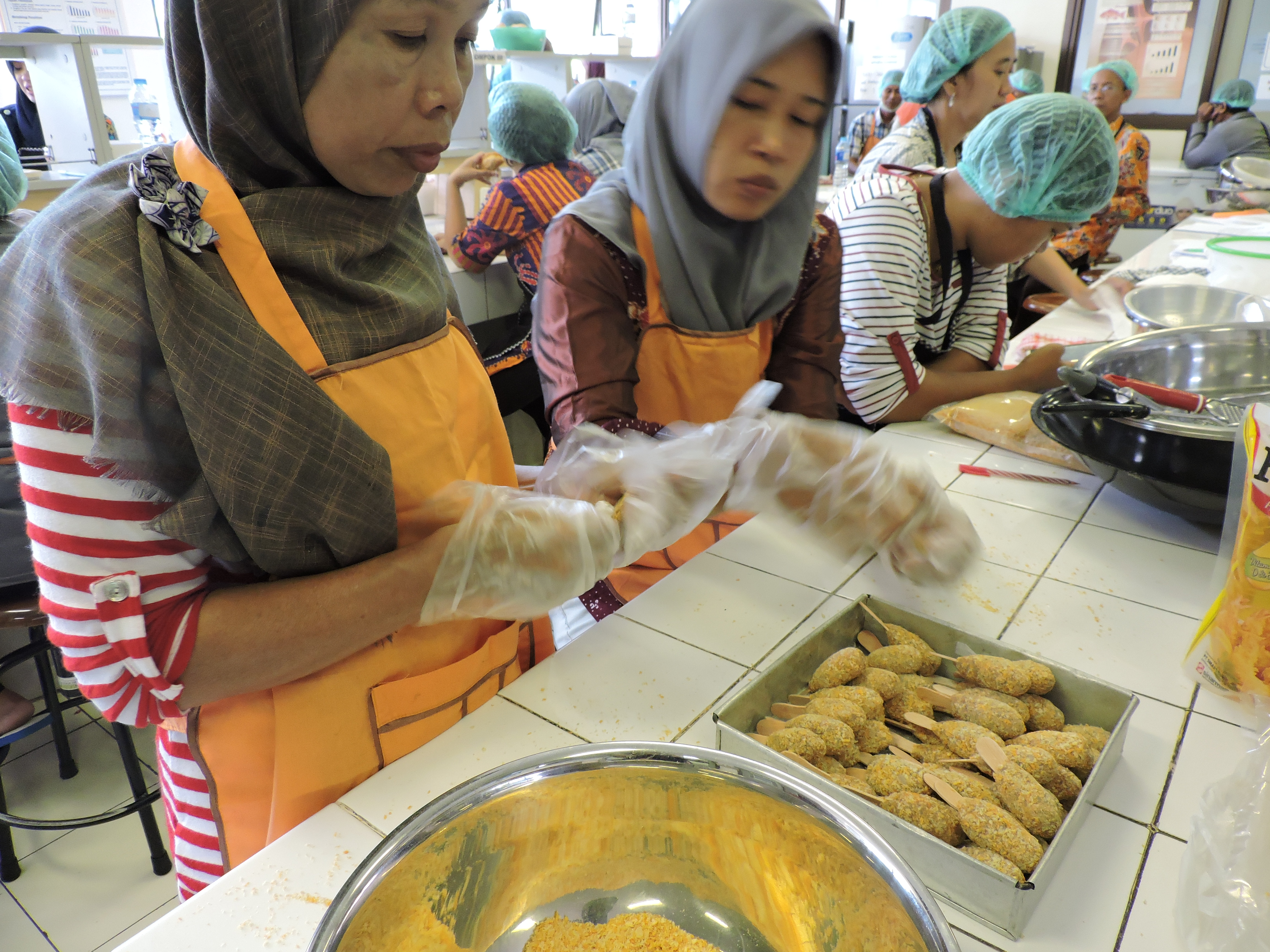 Pelatihan Pengolahan Hasil Perikanan Antara Lain Pembuatan Nugget
